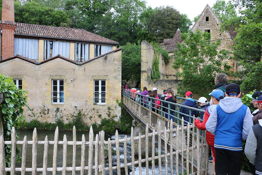 Les écoles au Moulin de la Rouzique